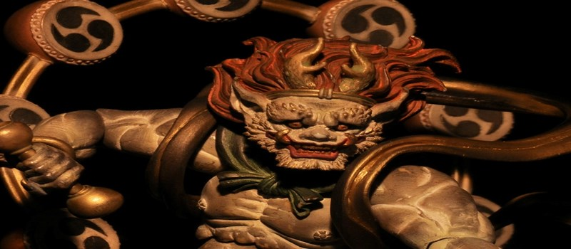 Faites attention, le dieu raijin viendra vous prendre votre nombril !