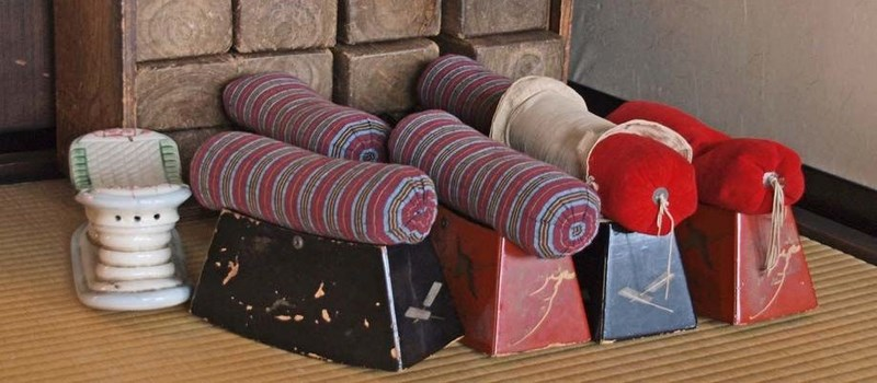oreiller japonais Etymologie et histoire du makura, l'oreiller japonais en bois oreiller japonais